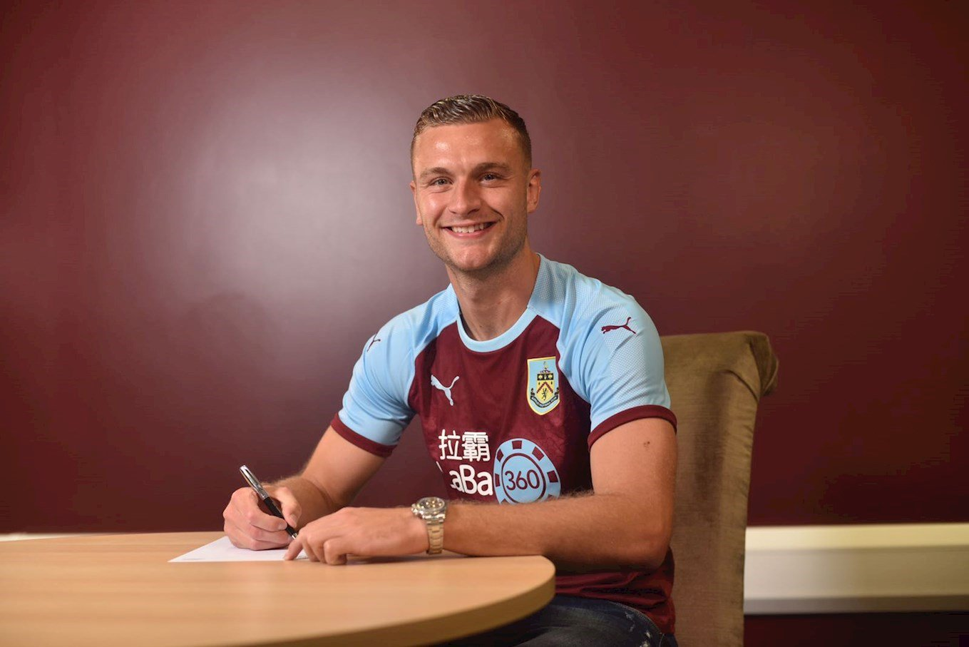 Ben Gibson completes £15m move to Burnley