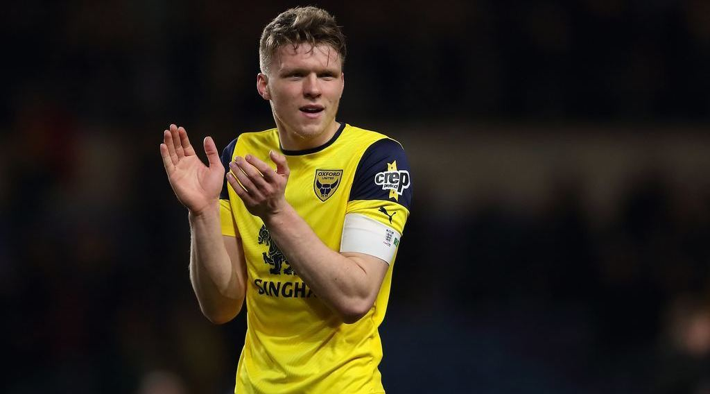Boro in three-way race for Oxford United defender