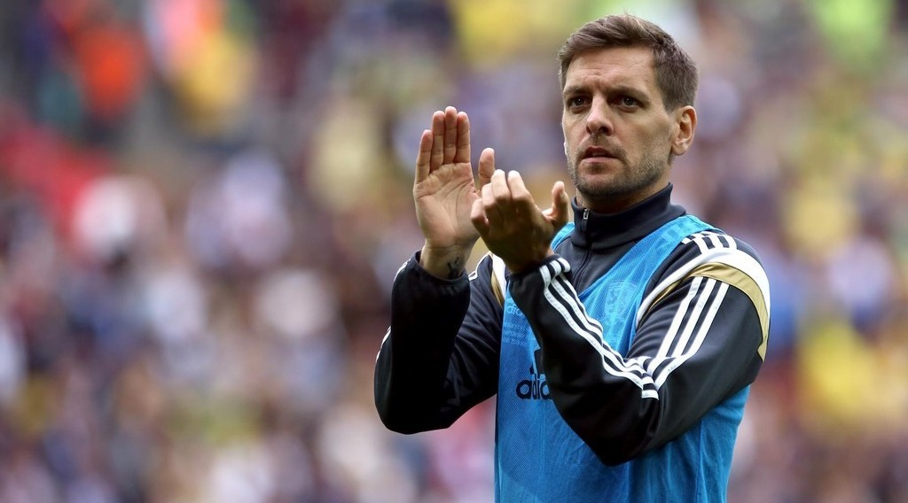 Jonathan Woodgate may not be the glamour name, but he still needs backing from the stands