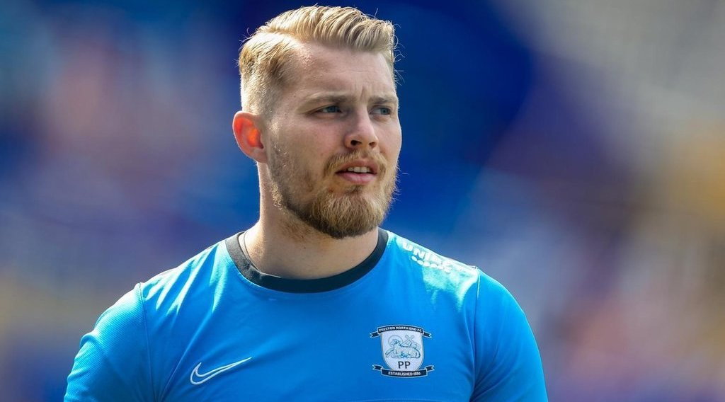 Middlesbrough have the first option to sign former goalkeeper from Preston North End
