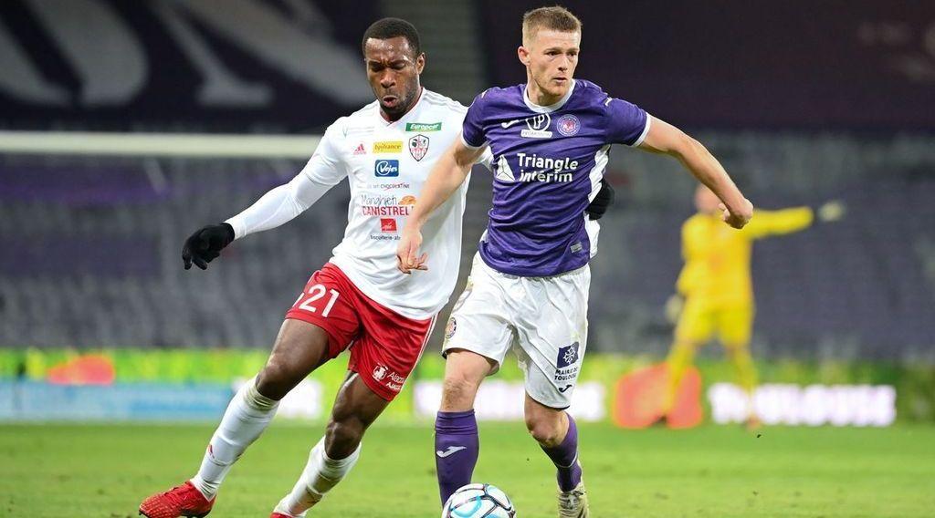 Middlesbrough target West Brom linked Ligue 2 striker