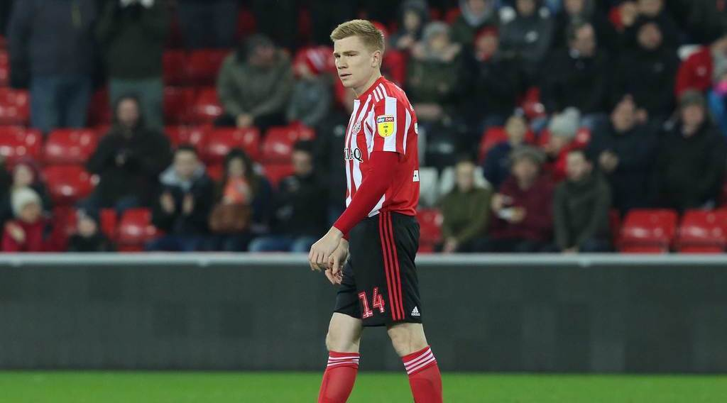 Neil Warnock set to sign Duncan Watmore following successful trial